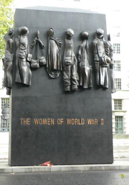 Женщинам второй мировой войны