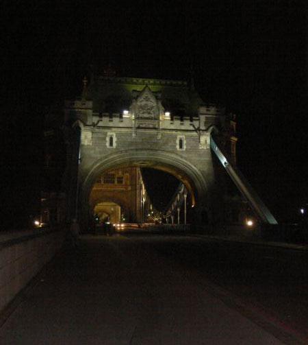 Въезд на Tower Bridge