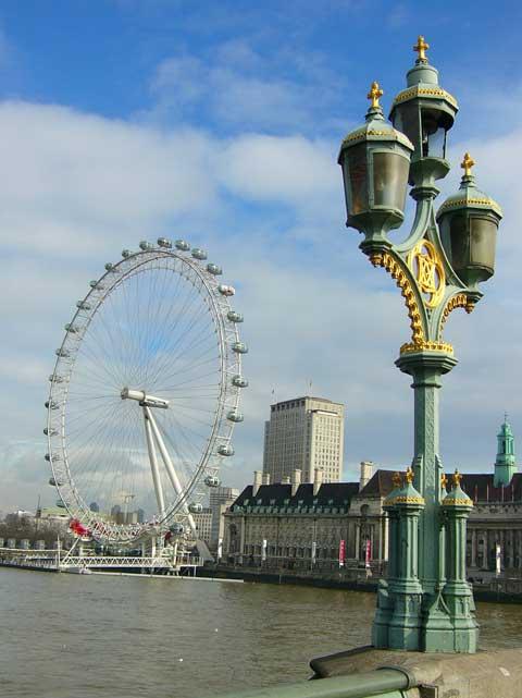 Вид на London Eye с Вестминстерского моста