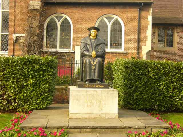 Памятник Томасу Мору